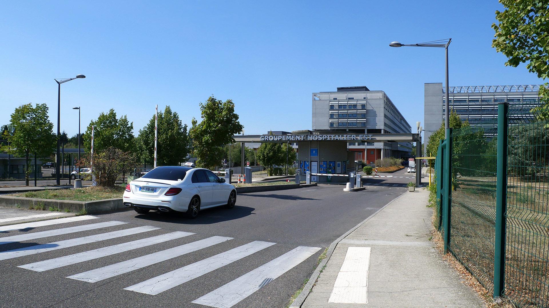 NP Taxi desservant le Groupement Hospitalier de Lyon Est
